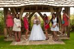 brides_friends_wedding_group